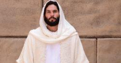Azevedo-faz-o-papel-de-Jesus