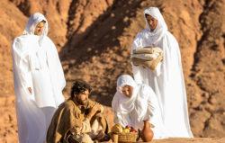 Jesus-recebe-ajuda-do-anjo-Gabriel-apos-enfrentar-Satanas-Novela-Jesus.