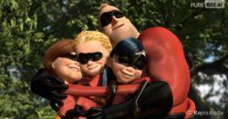 Os incriveis-familia se abraçando