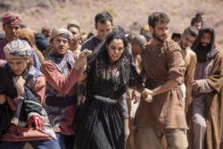 Thanit (Mônica Carvalho) é morta em Jezabe
