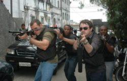 - A Lei e o Crime invazão na favela