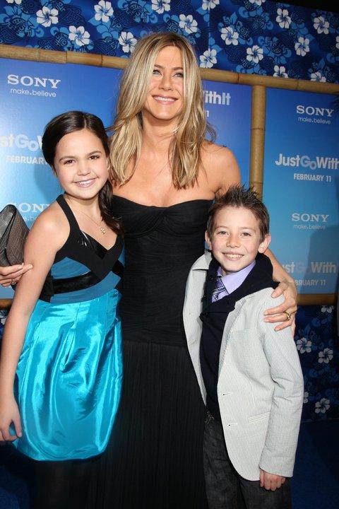 Bailee Madison, Jennifer Aniston e Griffin Gluck