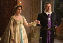 Chega a hora do casamento de Enrico (Bernardo Velasco) e Pietra (Rayanne Morais) no capítulo de Belaventura