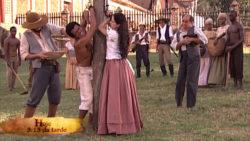Isaura e André sofrem tortura e maldades de leôncio
