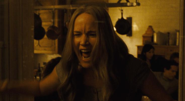 mãe com Jennifer Lawrence