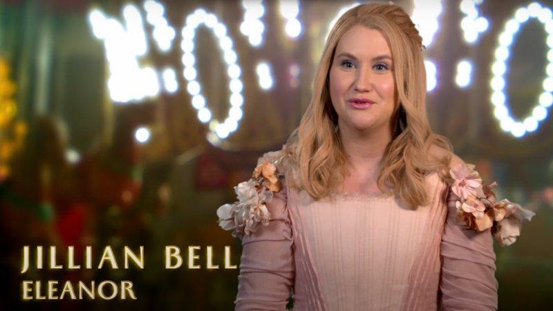 Jillian Bell interperete Eleanor