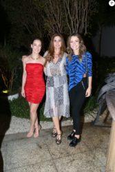 Juliana Didone usou look de R$ 80 para assistir a estreia da novela 'Belaventura' 'Comprei no brechó'