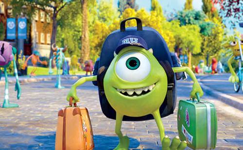 Mike chegando na universidade