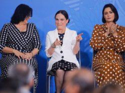 Regina Duarte Toma Posse como Secretária da Cultura