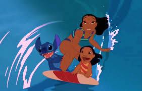Stitch,Nani e Lilo surfando