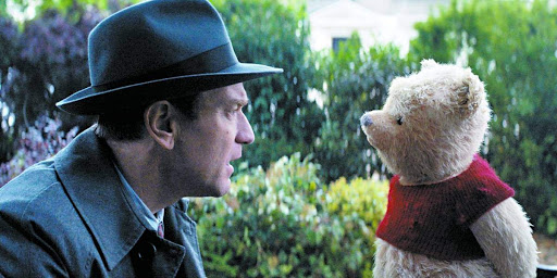 Chritopher Robin e ursinho Pooh