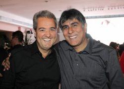 O-Diretor-de-Marketing-Thomas-Naves-e-o-Presidente-da-Record-Carlos-Geraldo-comemoram-mais-um-sucesso-da-Emissora
