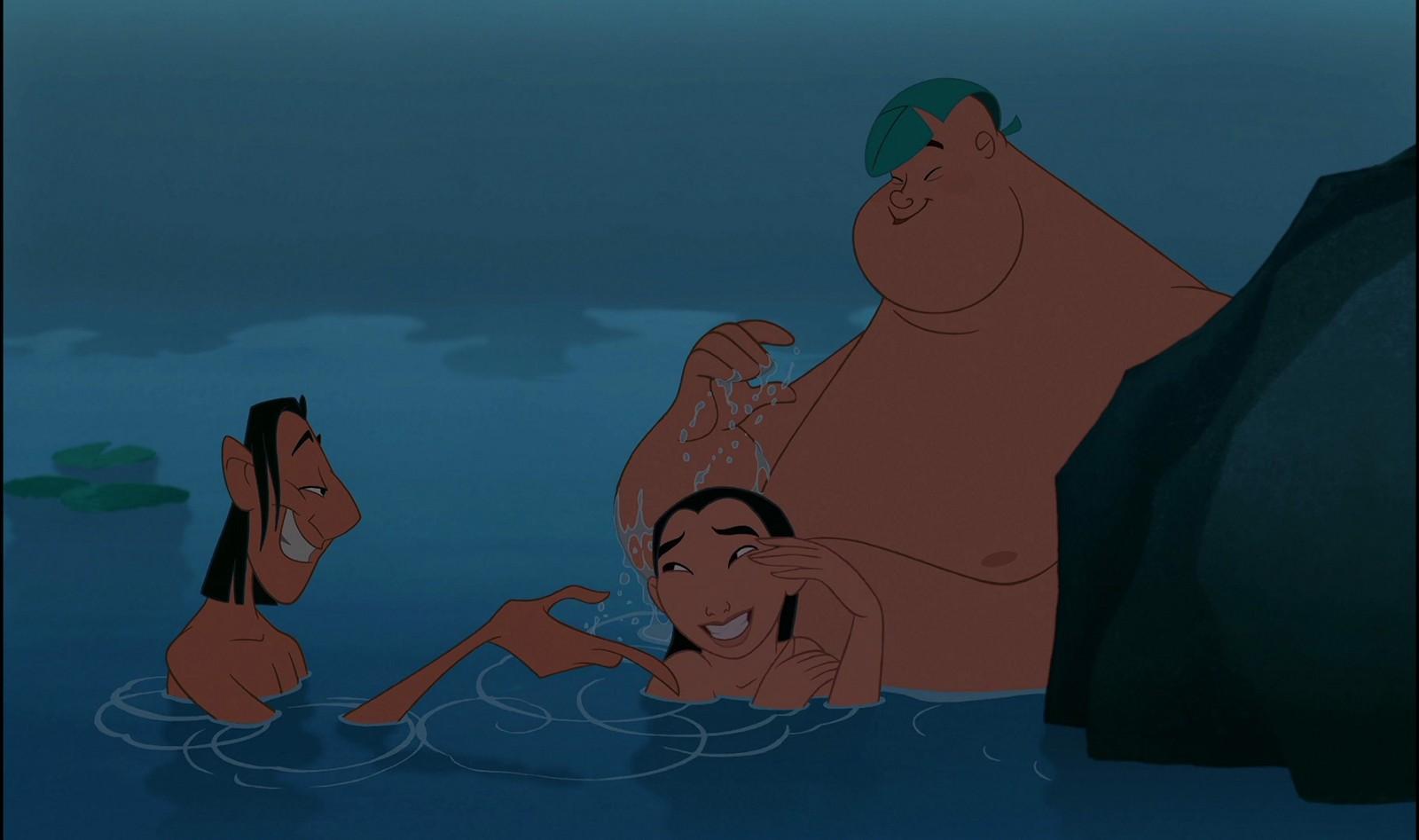 Mulan e os amigos no lago