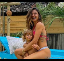 Isis Valverde compartilha crescimento de Rael, de 2 anos, e web repara: 'A cara da mãe'