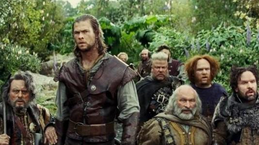 O Caçador e os 7 Anões do Filme Branca de Neve e o Caçador