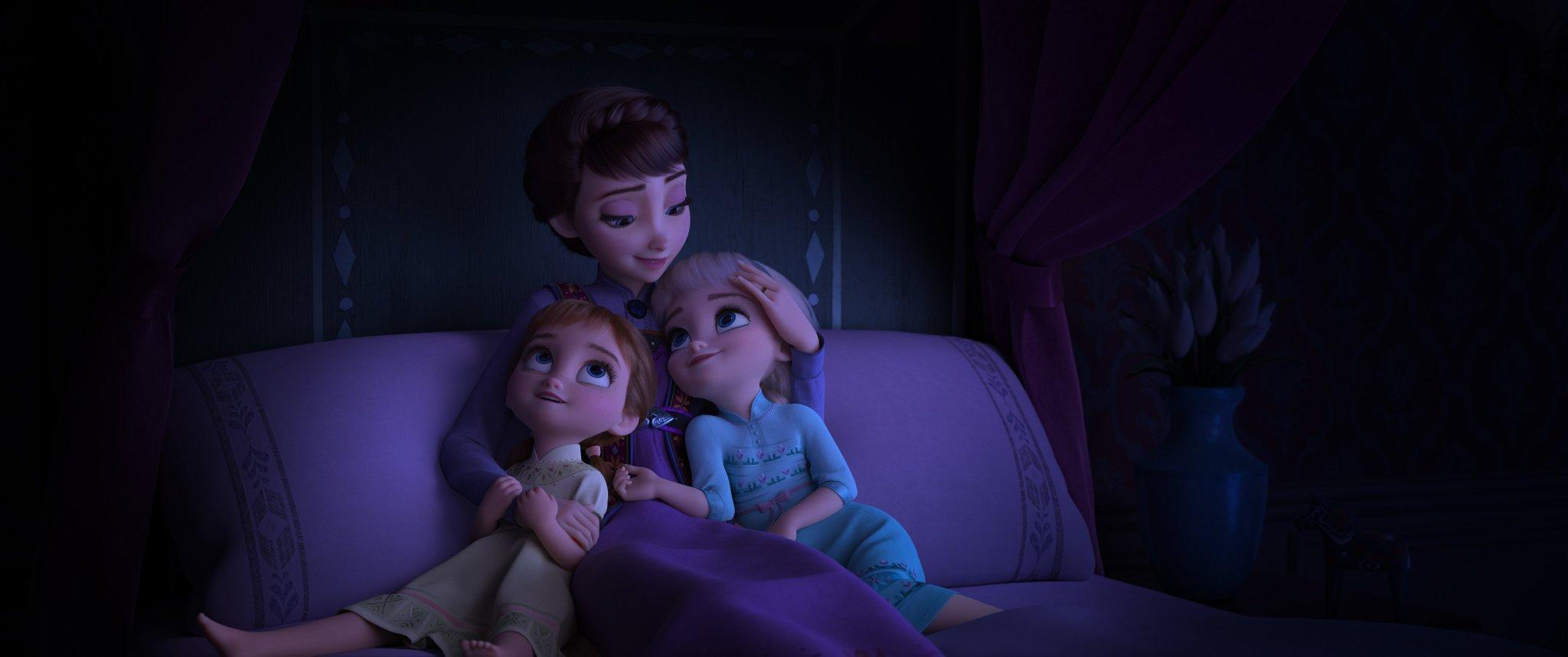 Iduna com Ana e Elsa crianças