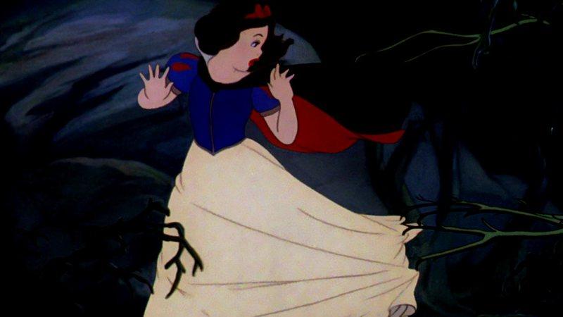 Branca de Neve fugindo